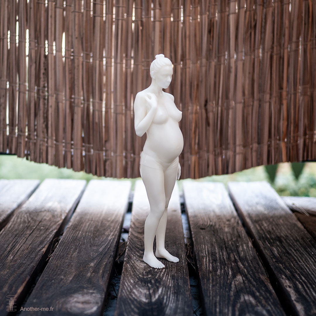 Full body pregnant women 3D print - Scale 1:8 - Epoxy resin