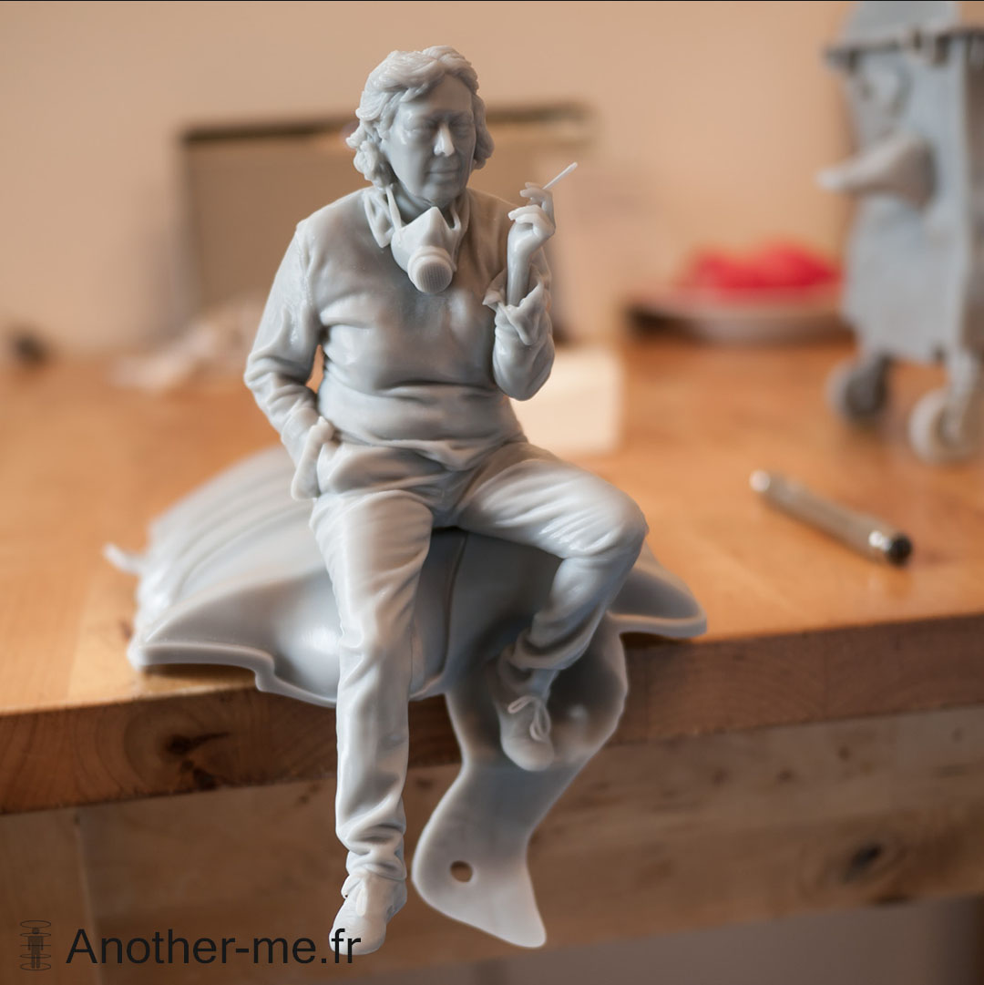 Resin 3D print of Anita Molinero 3D scan for a self-portrait sculpture - Full bodyscan